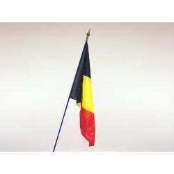 Drapeau Belgique tissu agrafé sur hampe en bois bleu 1m